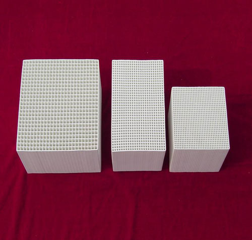Industrial ceramic honeycomb
